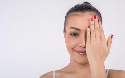 ¿Cómo evitar las arrugas del contorno de ojos?